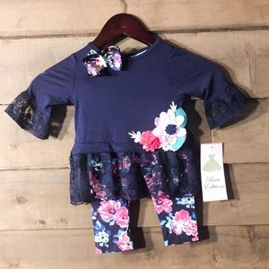 Rare editions 18 months NWT set with bow